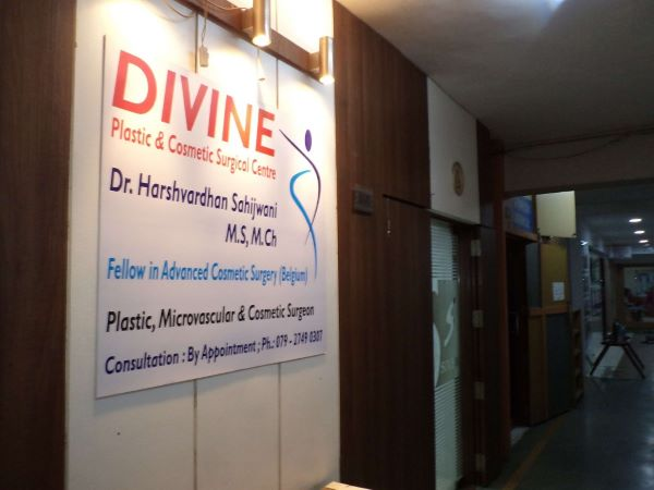 Divine Plastic & Cosmetic Surgical Center